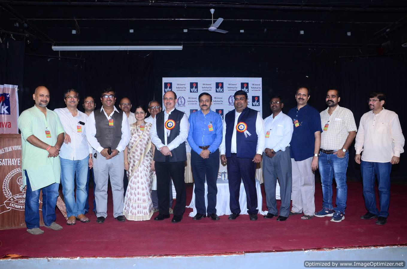 Dignitaries with VAK Team